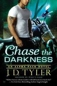 Review ~ Chase The Darkness by J.D. Tyler @JDTylerAuthor @SignetEclipse