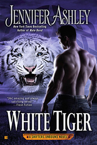 Review ~ White Tiger by Jennifer Ashley @JennAllyson @ BerkleyRomance