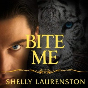 Review ~ Bite Me by Shelly Laurenston
